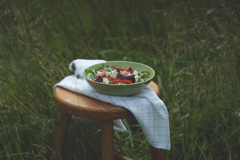 Sałatka z łososiem i serem feta