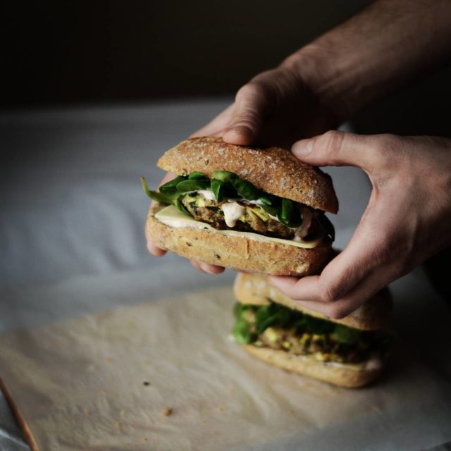 Zamiast sobotniego sprztania zrobiam domowe burgery takasobota obiad domowyburger misohellip